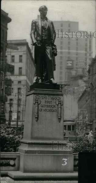 1929 Michigan Stevens mason Statue Monument - Historic Images