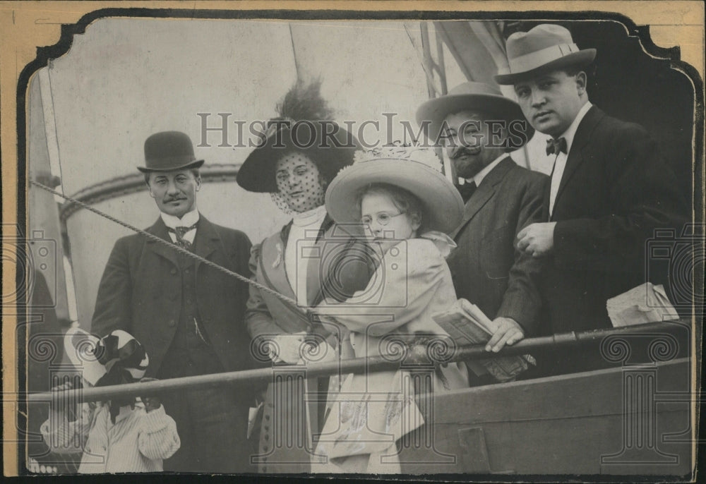 1909, Explorers two little daughters - RRV06899 - Historic Images