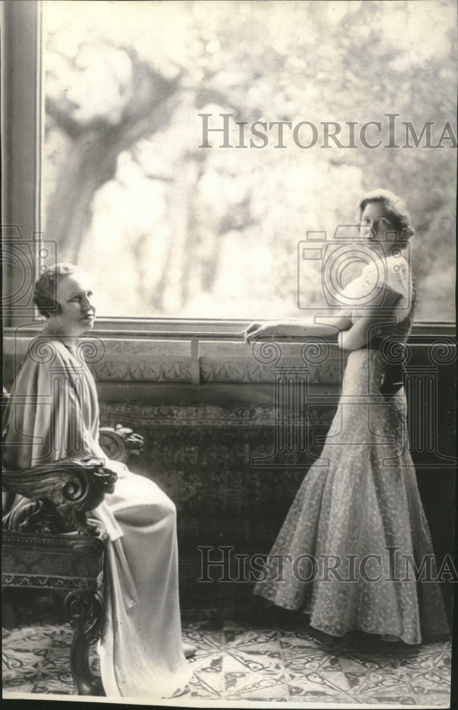 1933 Beautiful Picture Wife American Rome - Historic Images