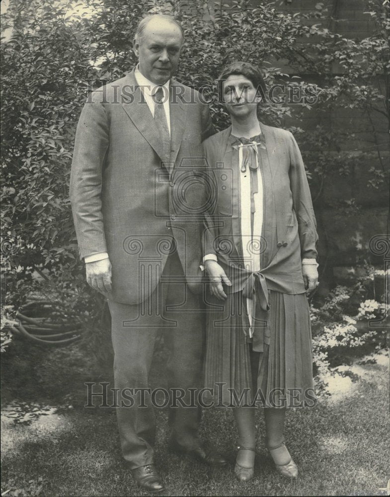1926, William V. Hodges and Wife - RRV21325 - Historic Images