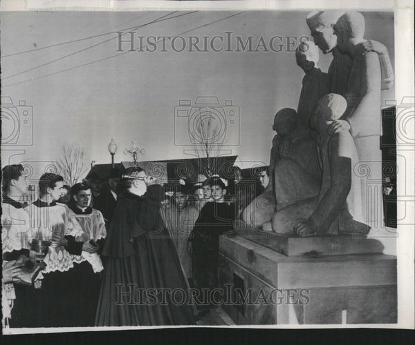 1948 Press Photo Bedfordstone statute Father Flanagan - Historic Images