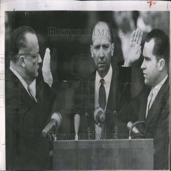 1957 Press Photo VP Nixon Swearing Oath Second Time - RRV26669 - Historic Images