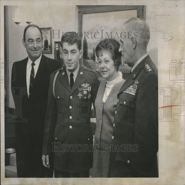1968 Press Photo Military Award Winner Stanley Green - RRV26829 - Historic Images