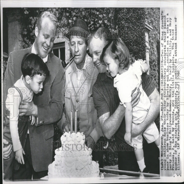 1962 Photo Singer Bing Crosby With Family Celebration - RRV27629 - Historic Images