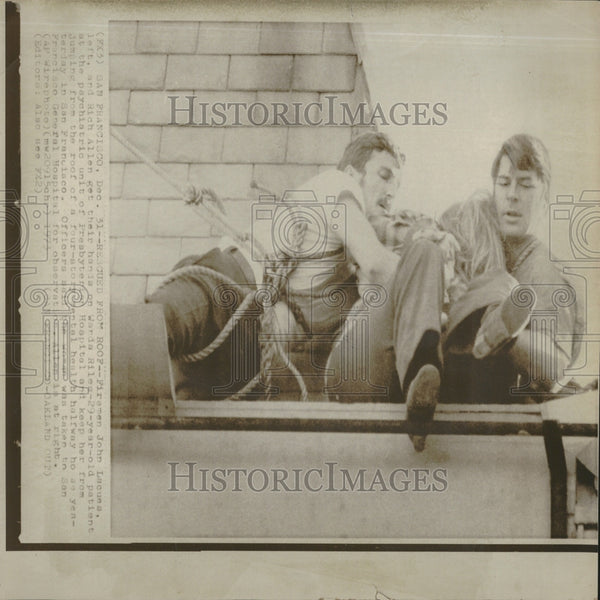 1973 Press Photo Wanda Riles Suicide Rescue - Historic Images