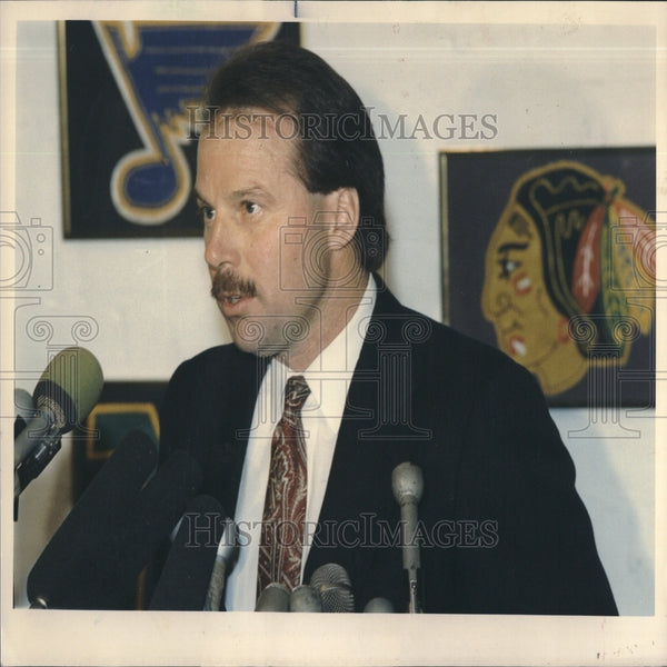 1988 Coach Mike Keenan at press conference - Historic Images