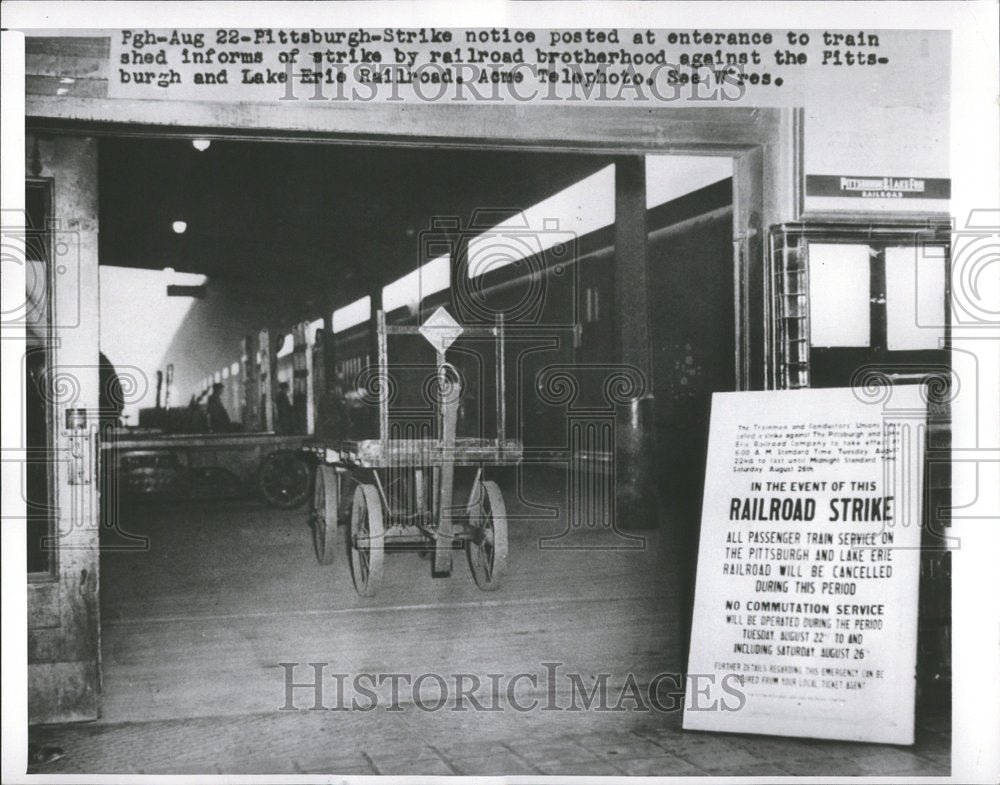 1900, Pittsburgh Lake Erie Railroad Strikes - RRV67163 - Historic Images