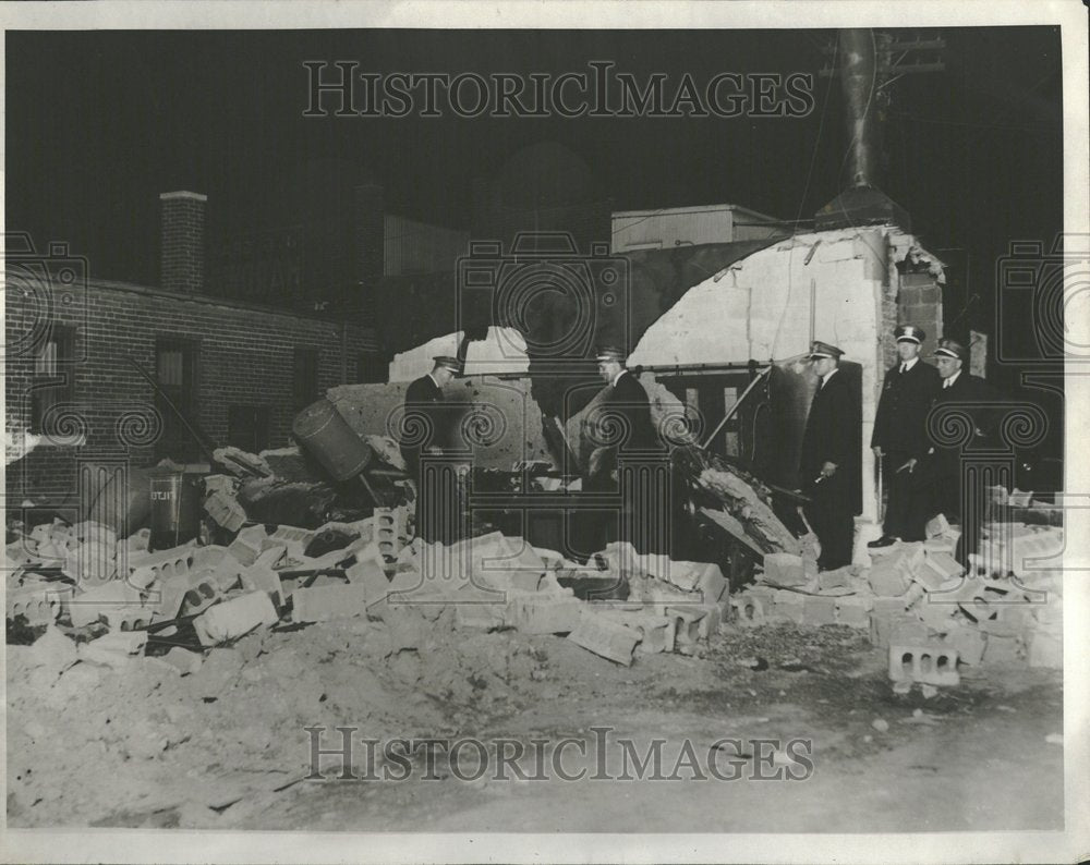 1929, Bomb Plots Zeppelin Cleaners Detroit - RRV93501 - Historic Images
