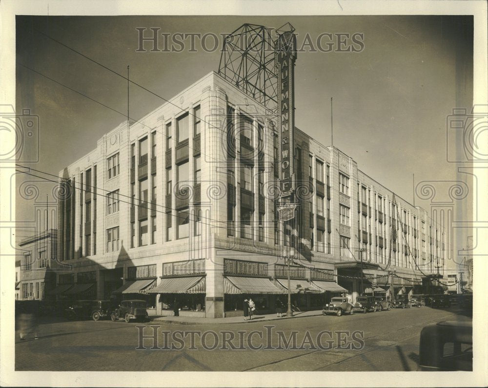 1931, Picture shows New Gold Ballet Building - RRV99655 - Historic Images