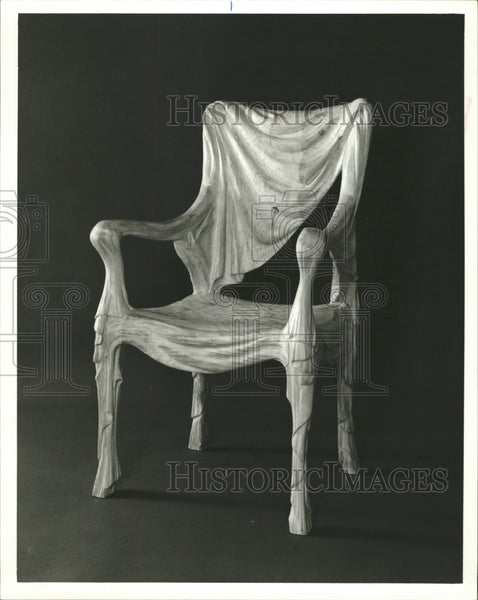 Press Photo Stripped Pine Chair Tela Made In Spain - RRW29023 - Historic Images