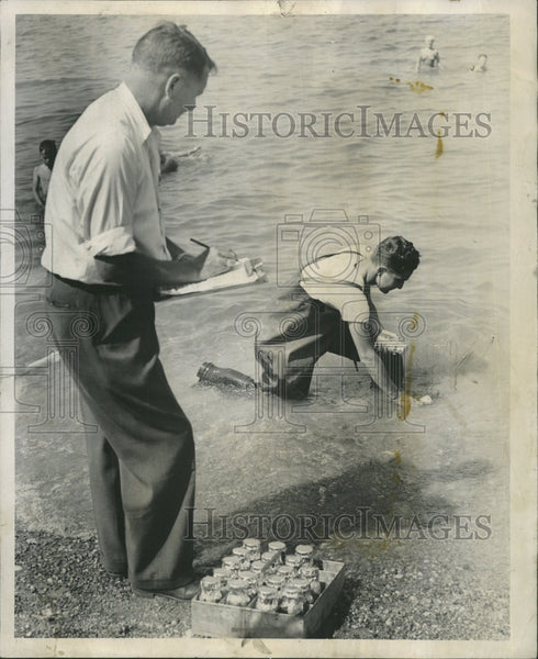 1948 Press Photo Russell Smith Health Engineer Arnold - RRW50201 - Historic Images