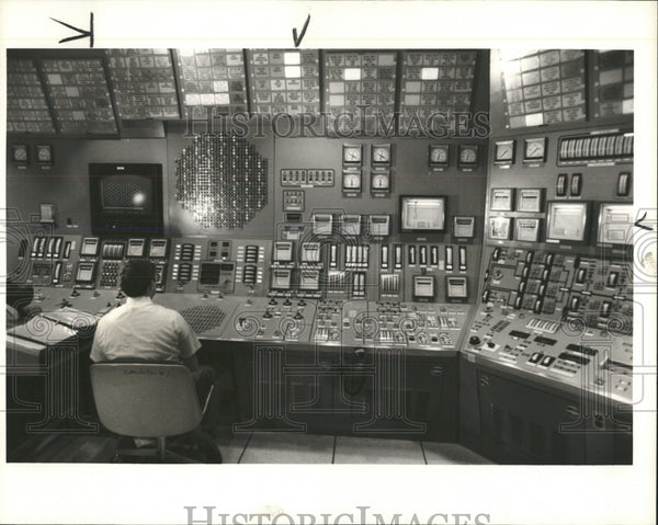 1986 Press Photo Ralph Anderson Fermi II Nuclear Plant - RRW53503 - Historic Images