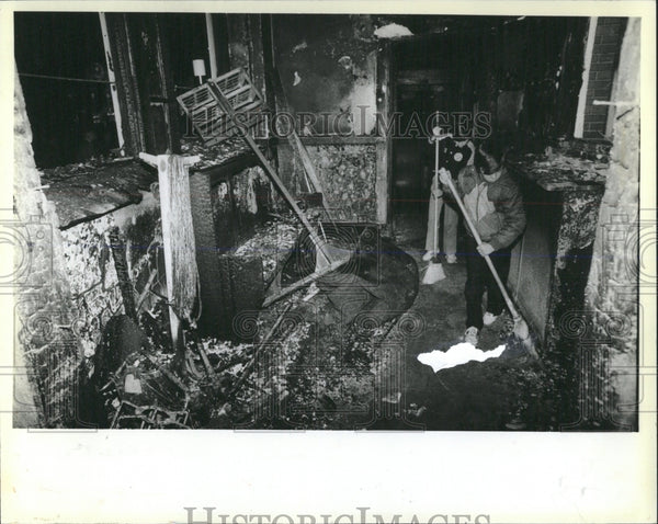 1984 Press Photo Holy Innocents Church Fire - RRW53735 - Historic Images