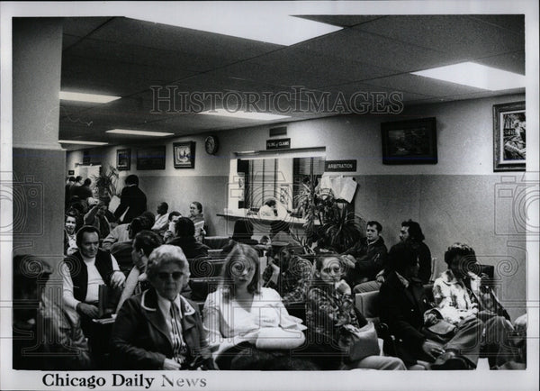 Press Photo Illinois Injured workers lawyers Chicago - RRW65579 - Historic Images