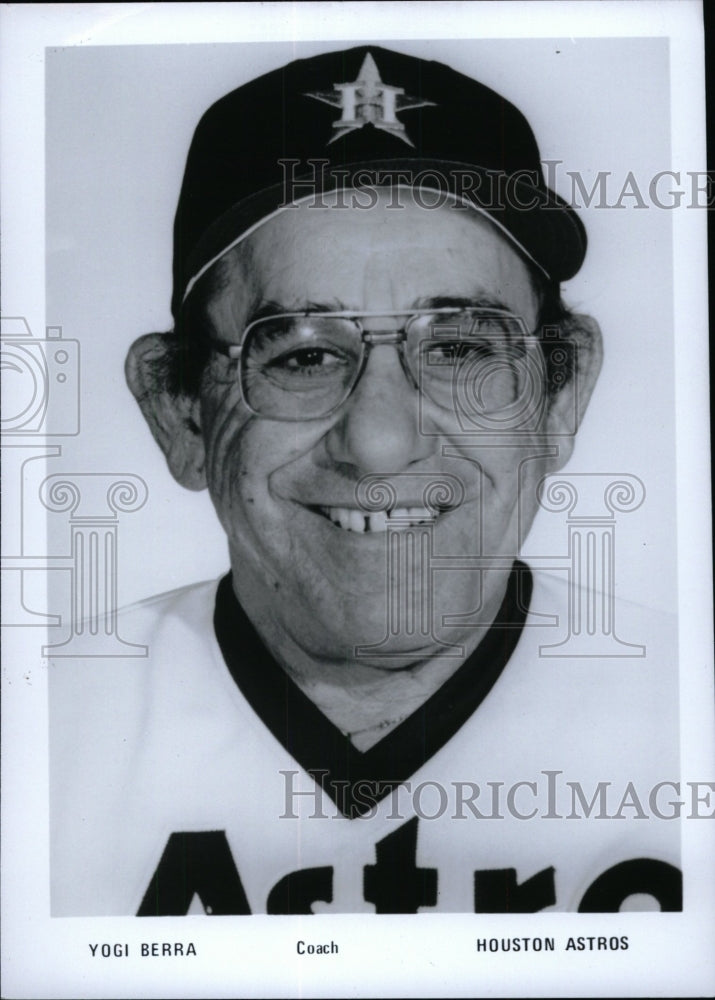 Press Photo Yogi Berra Coach Houston Astros - RRW71087 - Historic Images