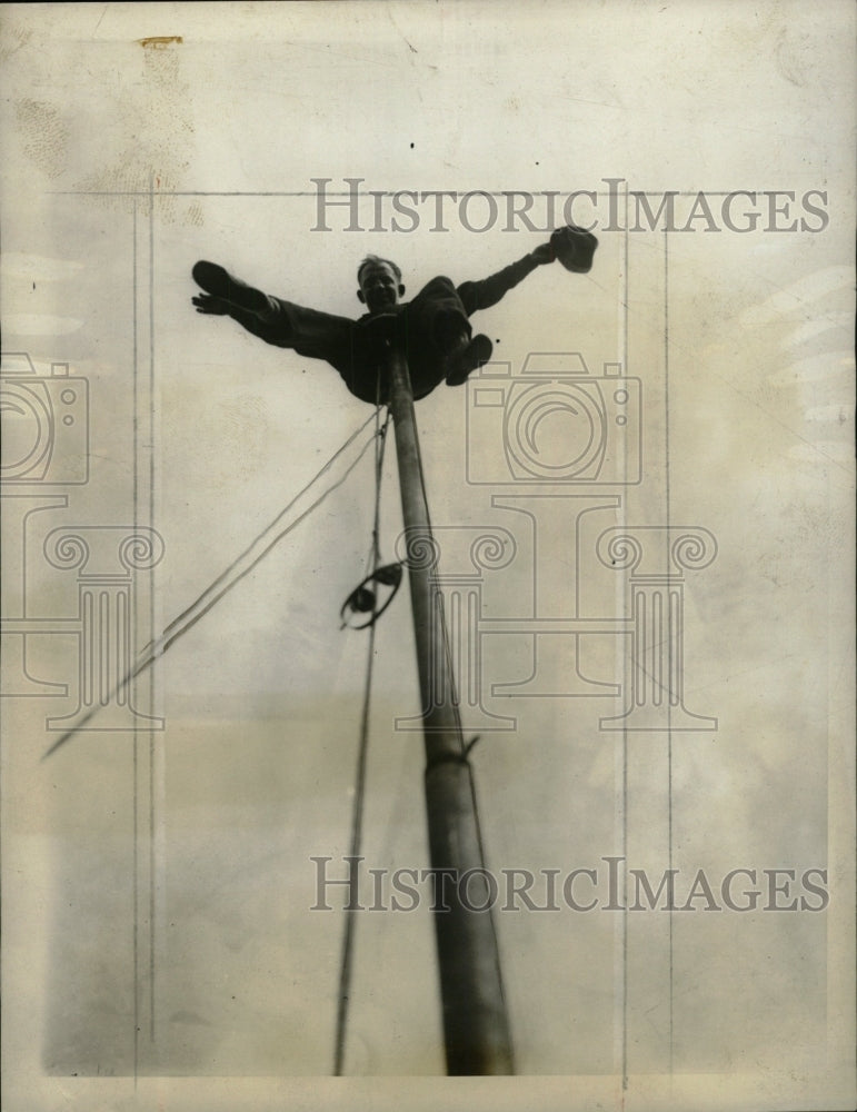 19090 Press Photo Shiprock Eelly latest world's record - RRW72819 - Historic Images