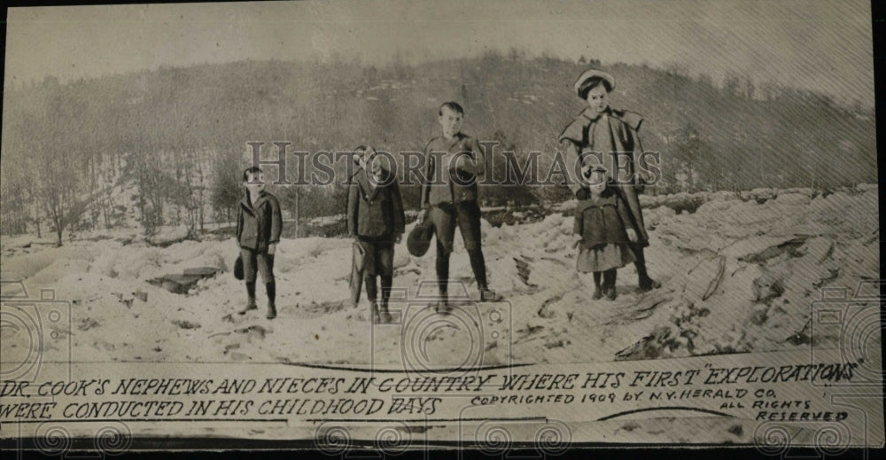 1909 Press Photo Dr Cook Family - RRW78201 - Historic Images