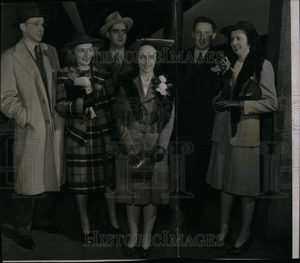 1941 Press Photo OMEAR JR MRS BLAIR KITTLESON - RRW85047 - Historic Images