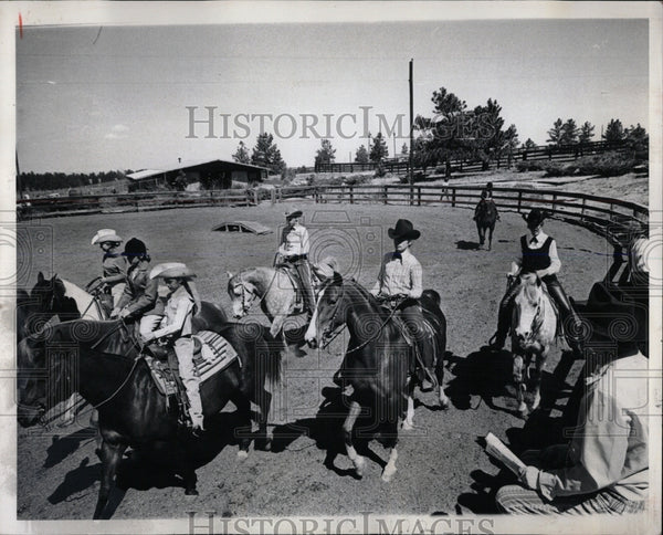 1972 Press Photo Veteran Horseman Youth Horse Show - RRW86549 - Historic Images