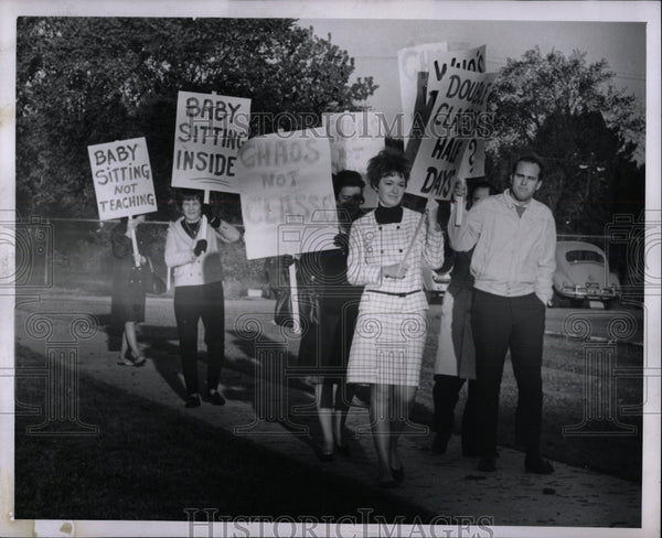 1967 Press Photo Teachers Strike Riverside High School - RRW86569 - Historic Images