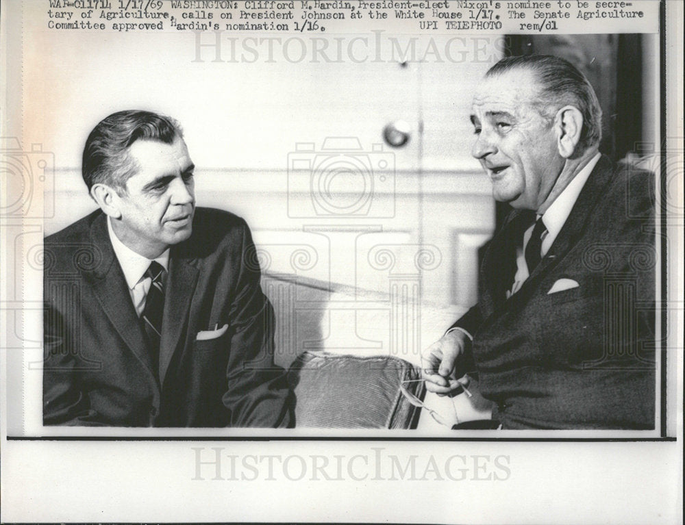 1969 Press Photo Clifford M. Hardin President Johnson - Historic Images