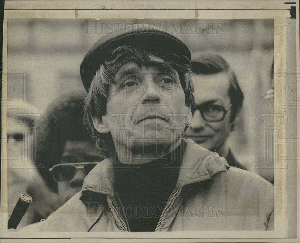 1972 Press Photo Rev. Daniel Berrigan Priest Activist - Historic Images