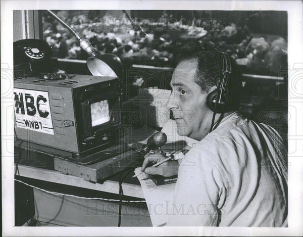 1950 broadcaster Ben Grauer in action - Historic Images
