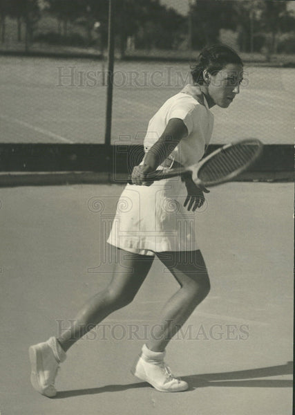 1936 Press Photo Dorothy Shwayder Playing Tennis - Historic Images