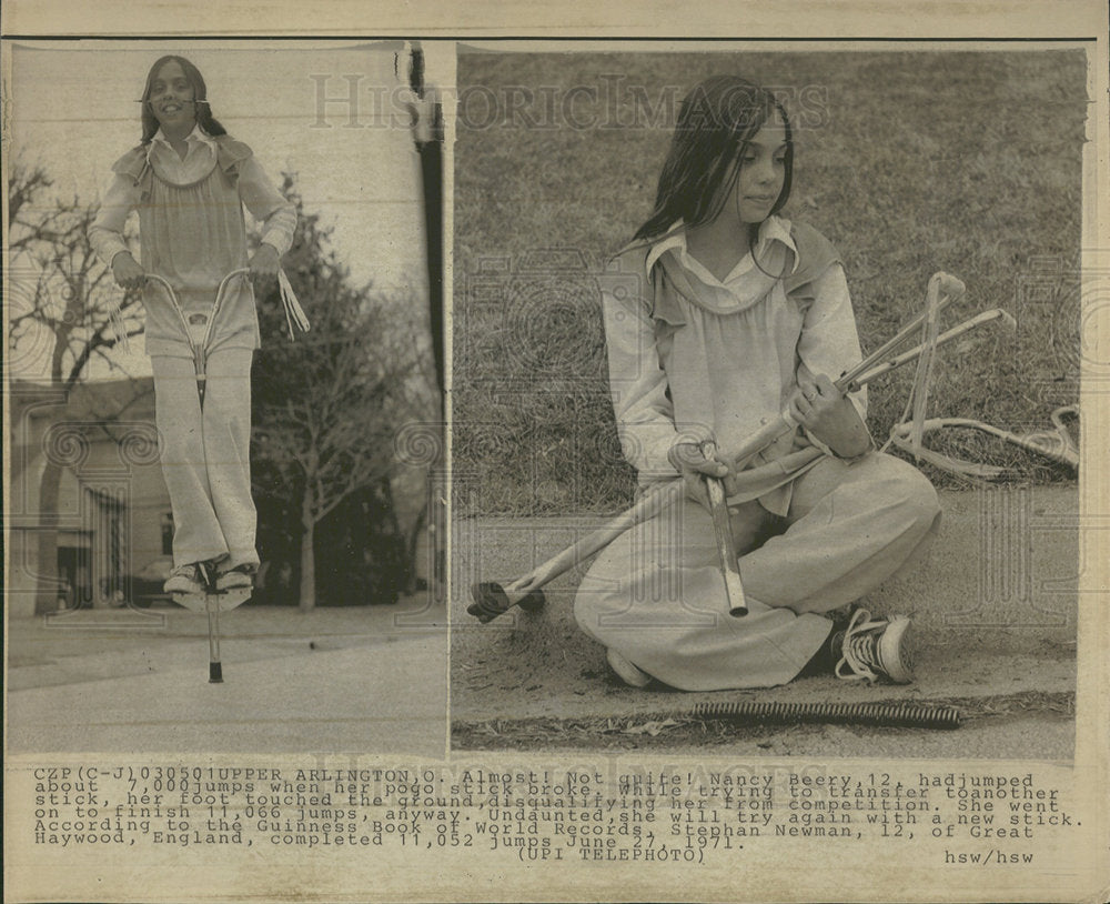 1971 Press Photo Nancy Beery Age 12 And Her Pogo Stick - Historic Images