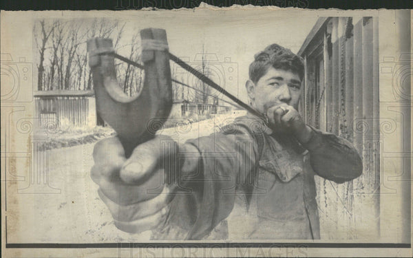 1969 Press Photo Dennis Walker Takes Aim With Slingshot - Historic Images