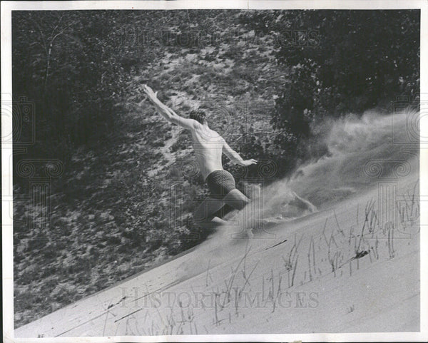 1967 Press Photo Spray of Sand Trail Behind Chrisman - Historic Images