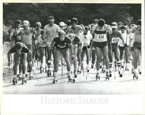 1984 Press Photo Banana Belt Club Roller skiers race - Historic Images
