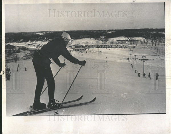 1969 Press Photo Holiday Park Skiers Slopes Snug Indoor - Historic Images