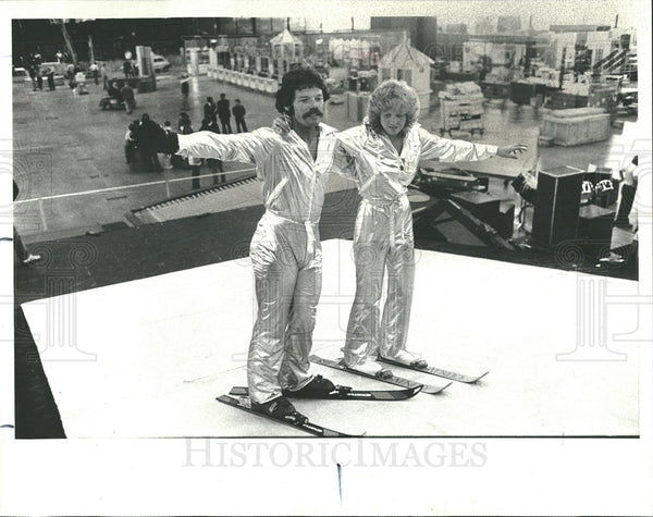 1977 Press Photo Ski Dek Skimer Stunt Skier Tom Harmon  - Historic Images