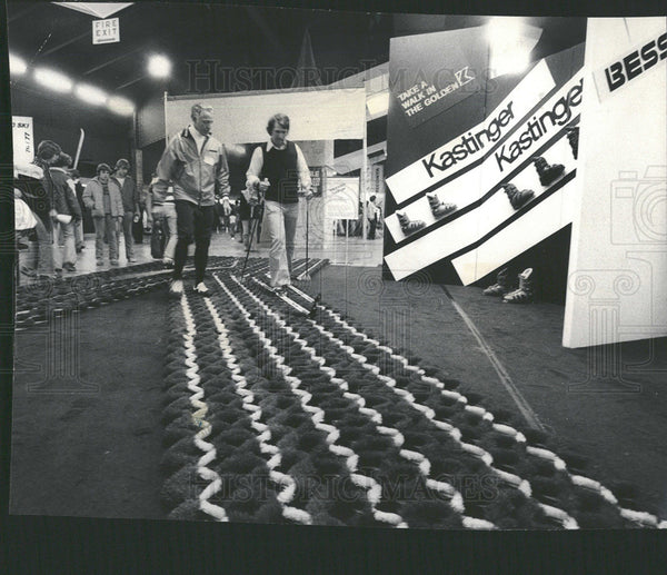 1976 Press Photo Ski Show Expowinter Ends at Arlington - Historic Images