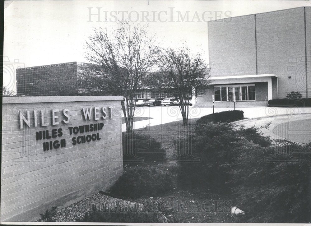 1967 Press Photo Niles West High Schol Merit Library - Historic Images