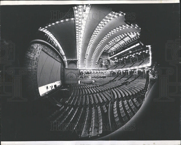 1967 Press Photo Soaring Arches Lights Auditorium  - Historic Images