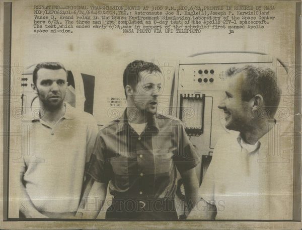 1968 Press Photo Astronaut Joe Engle Joseph Kerwin Snap - Historic Images