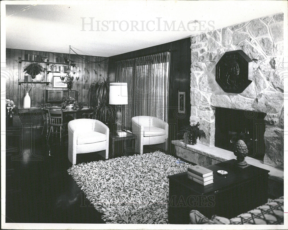 1971 Press Photo White Stone Granada Model Family Room - Historic Images