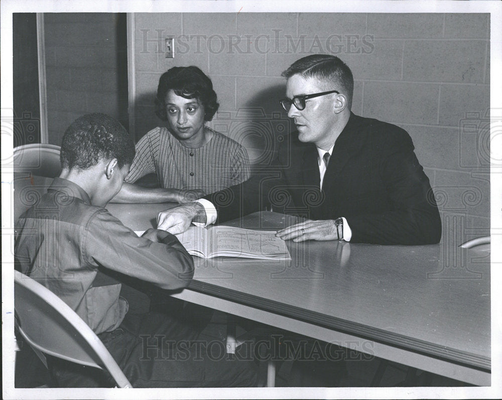 1966 Press Photo Man Woman Tutor Student Boy Book - Historic Images