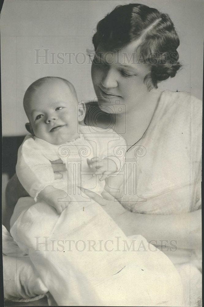 1916 Press Photo Mrs Gray B Bray With Her Son - Historic Images