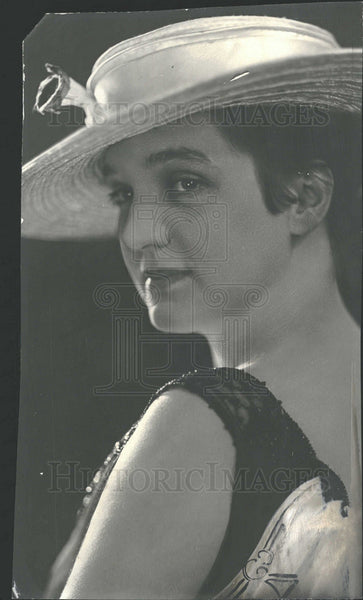 1916 Press Photo MRS. HOWARD B. LA DUE MATRON - Historic Images