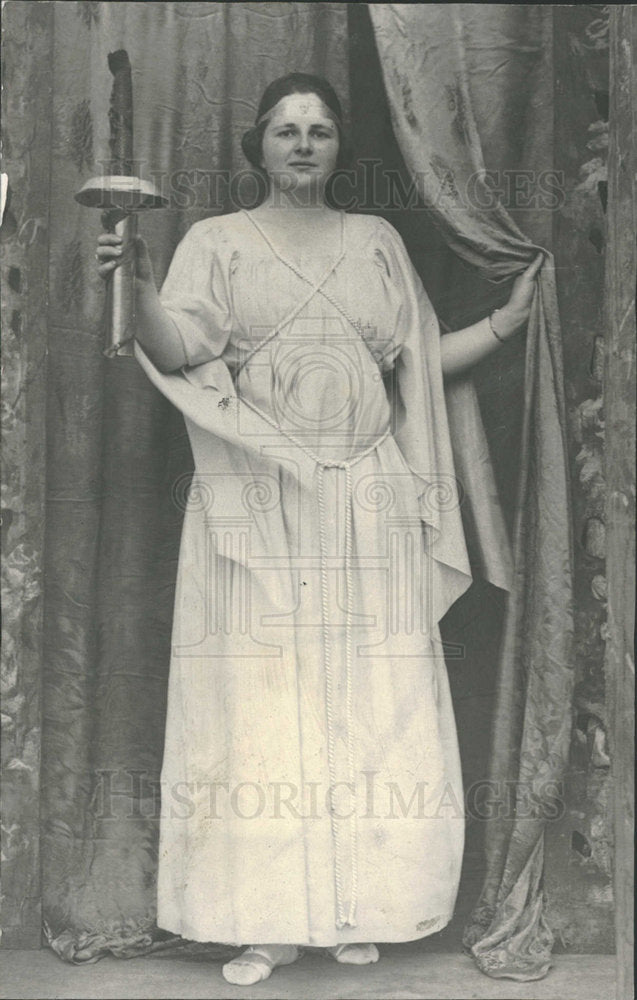 1920 Press Photo Woman Greek Dress Torch - Historic Images