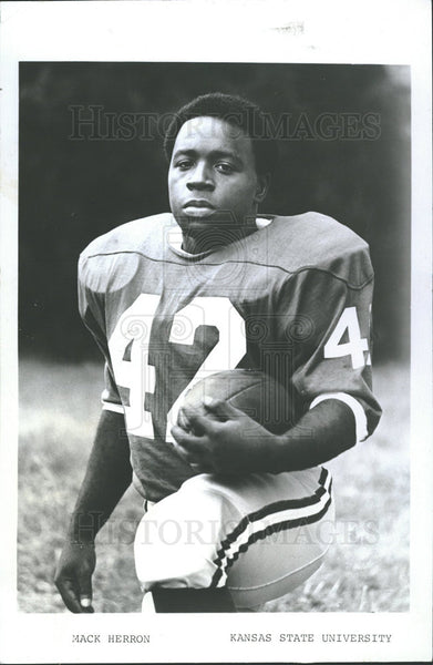 1969 Press Photo Mack W. Herron American Football - Historic Images