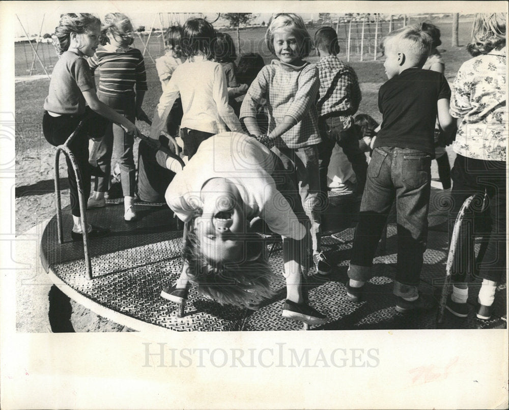 1965 Press Photo Merry-go-Around Northeast Youth Center - Historic Images