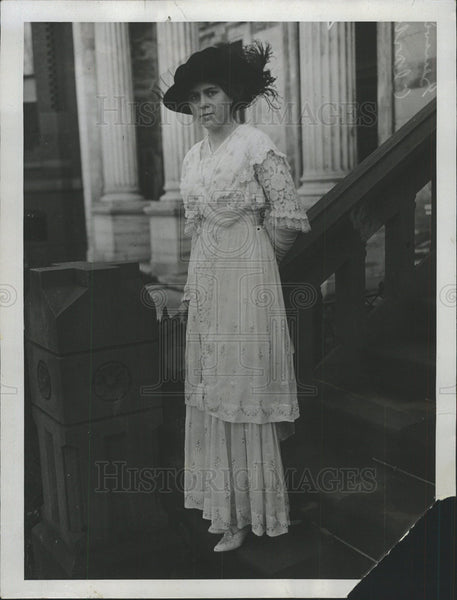 1914 Press Photo Miss Genevieve Clark James Thompson  - Historic Images