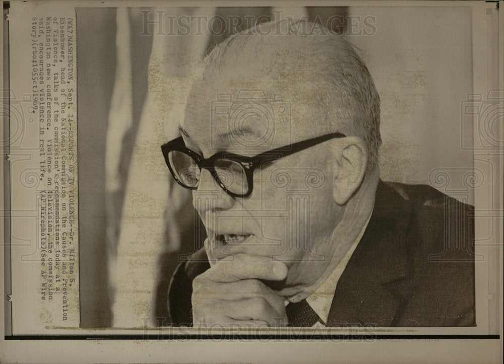 1969 Press Photo Dr Milton Eisenhower Commission Report - Historic Images