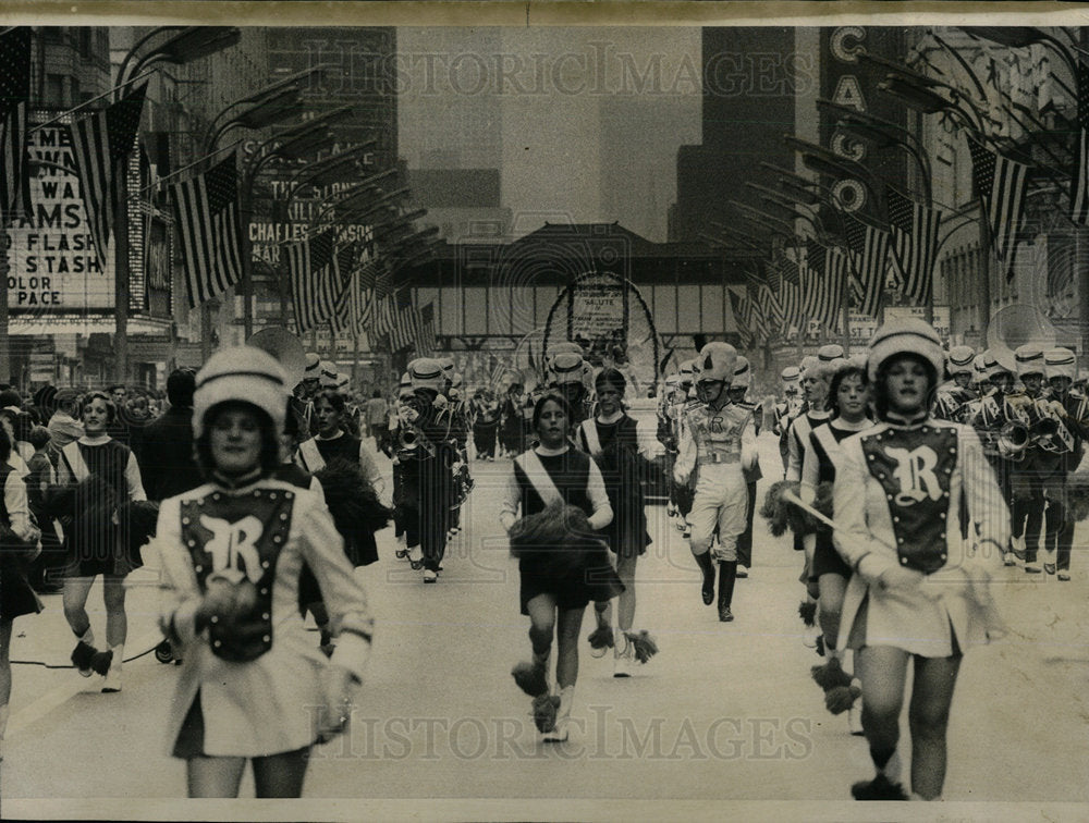 1973 Press Photo Rita High school band Columbus Parade  - Historic Images