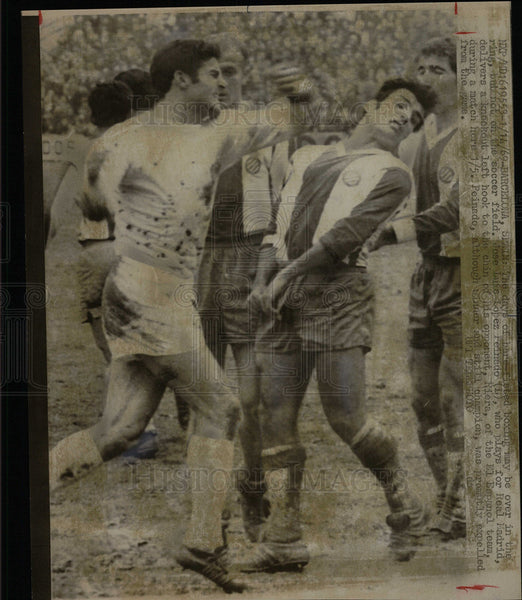 1969 Press Photo Dirty Soccer Played by Real Madrids. - Historic Images