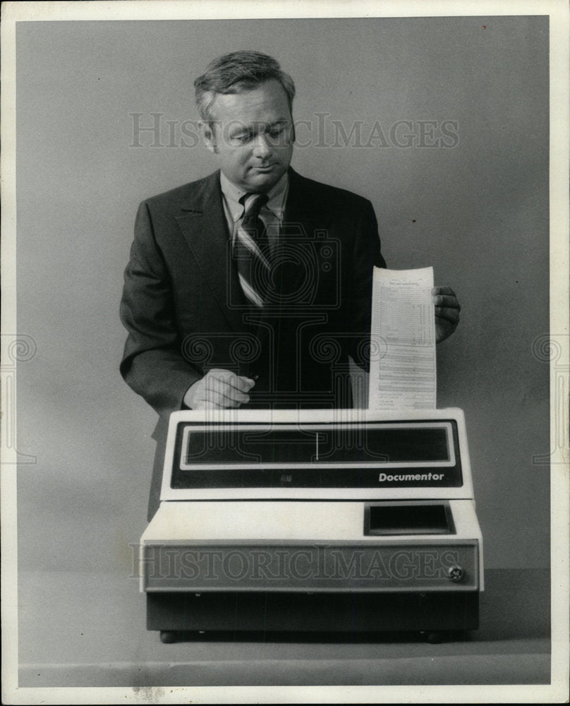 1972 Press Photo Documentor 2100 Computer Menu Forms - Historic Images